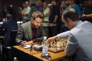 Levon Aronian playing Veselin Topalov