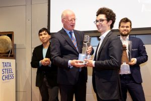 caruana-receives-tata-steel-chess-2020-trophy